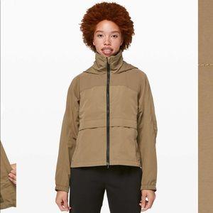 NWT Lululemon Effortless jacket in Frontier
